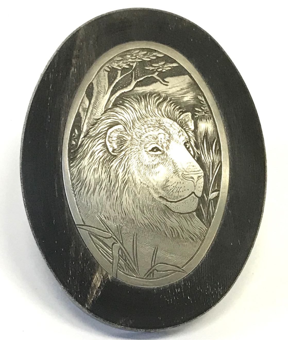 Horn Grip Cap with Hand Engraved Insert - Lion